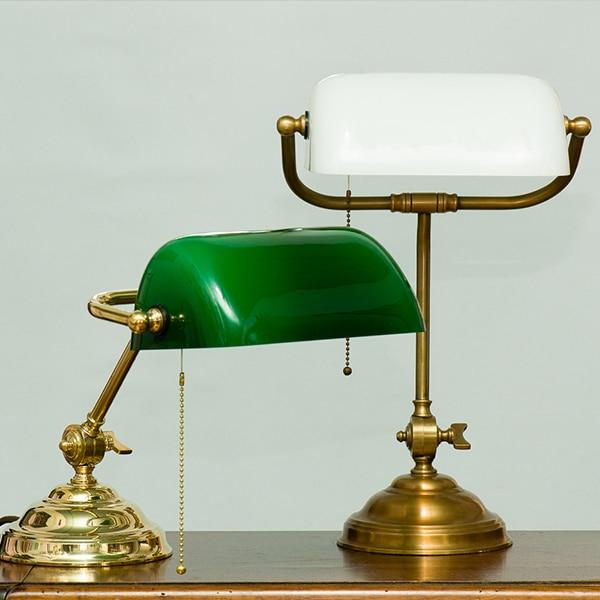 Jan-Best-bureaulamp-notarislamp-bankierslamp-klassieke-bureau-lamp-messing- nostalgische-bureau-lamp-aalsmeer