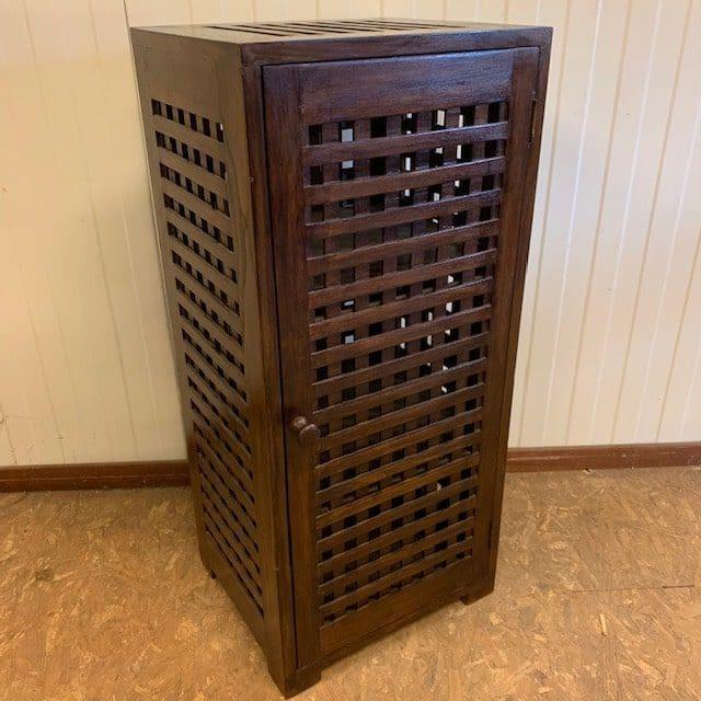 Jan-Best-houten-kast-nachtkastje-badkamerkastje-meubelen-aalsmeer